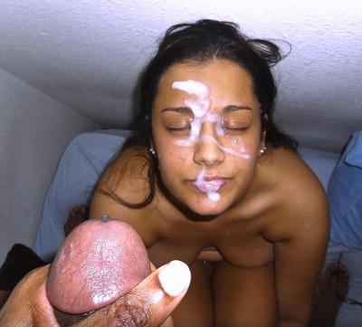 Meisje uit India krijgt lading zaad over haar gezicht!